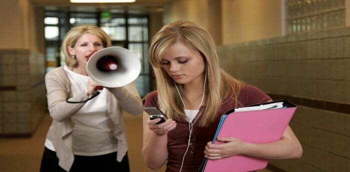 Επικοινωνήστε με τους εφήβους μέσω της ενεργητικής ακρόασης